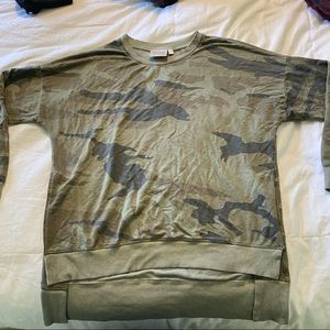 Dantelle Camo High Low Sweatshirt crewneck large